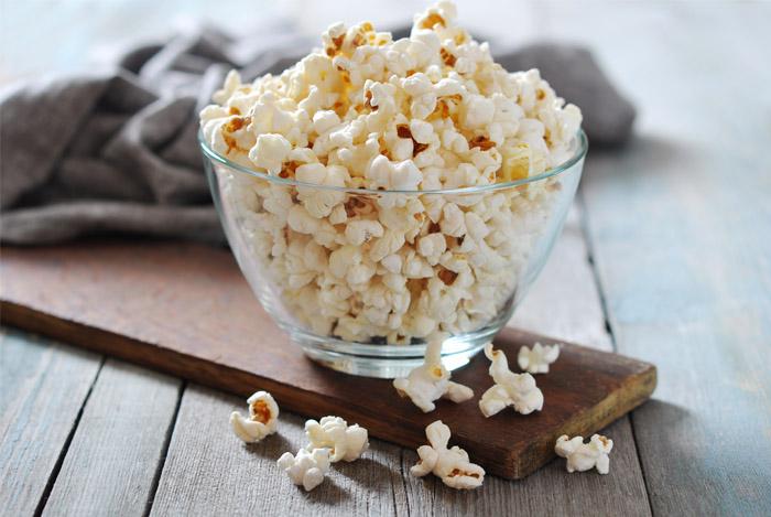 popcorn in bol de sticla